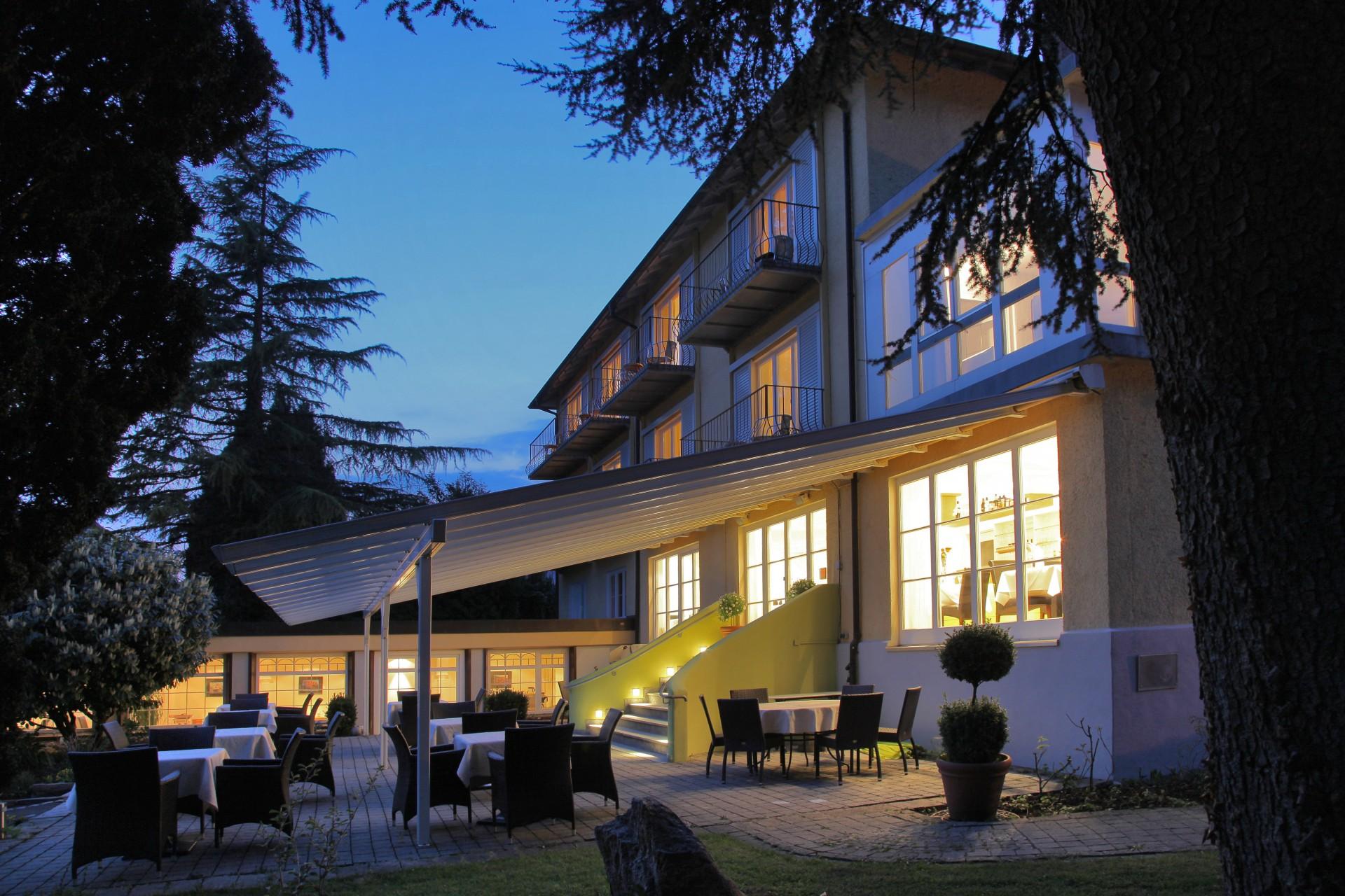 Hotel Lindenallee In Lindau Bei Dunkelheit